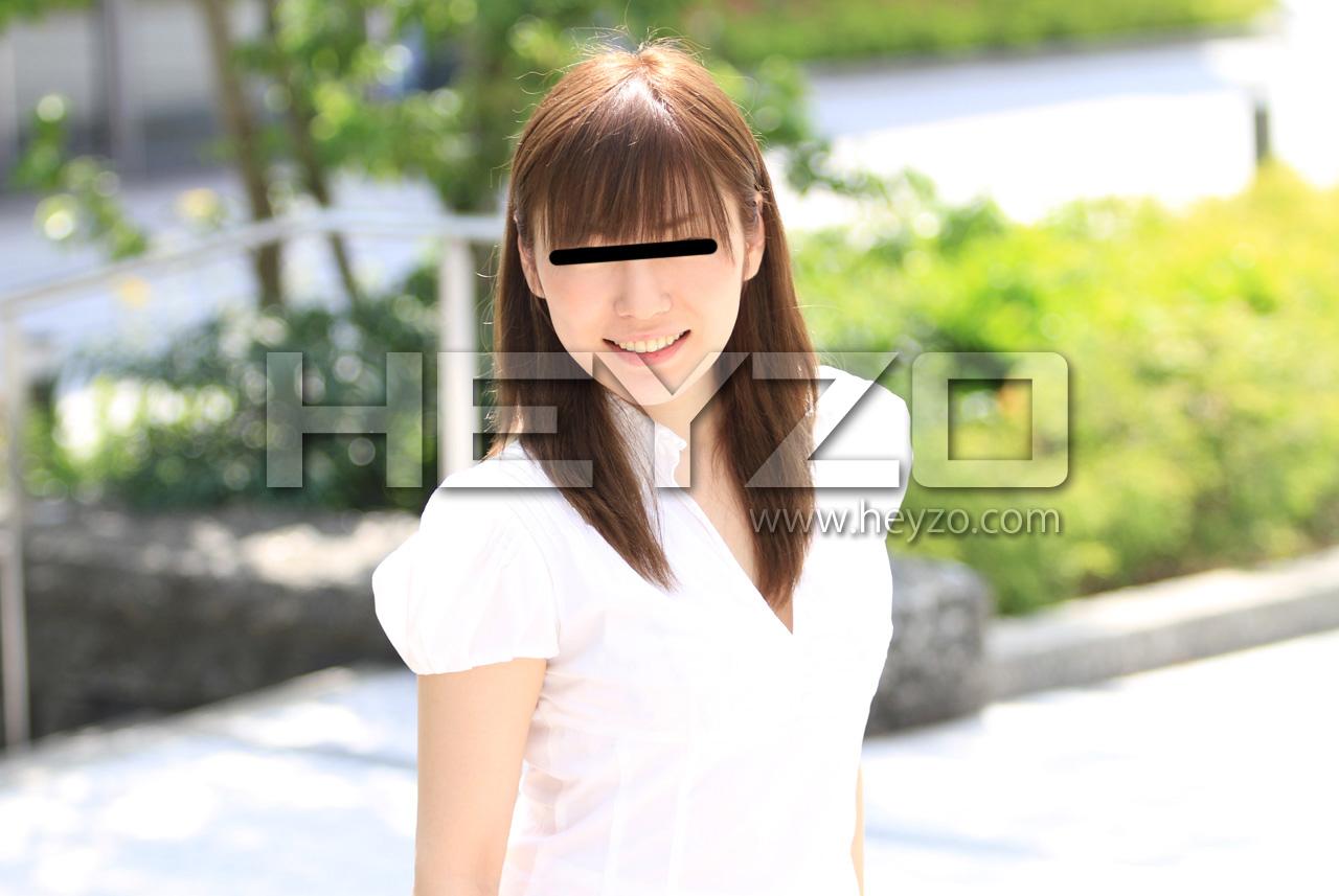 上京したての極上素人パイパン娘がバイト感覚でメイド服着てハメ撮り中出し!