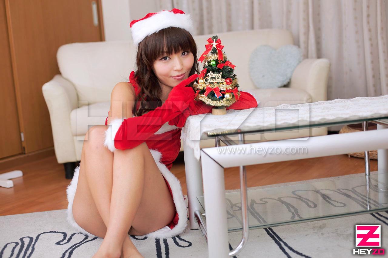性夜のクリスマスに舞い降りたサンタガール