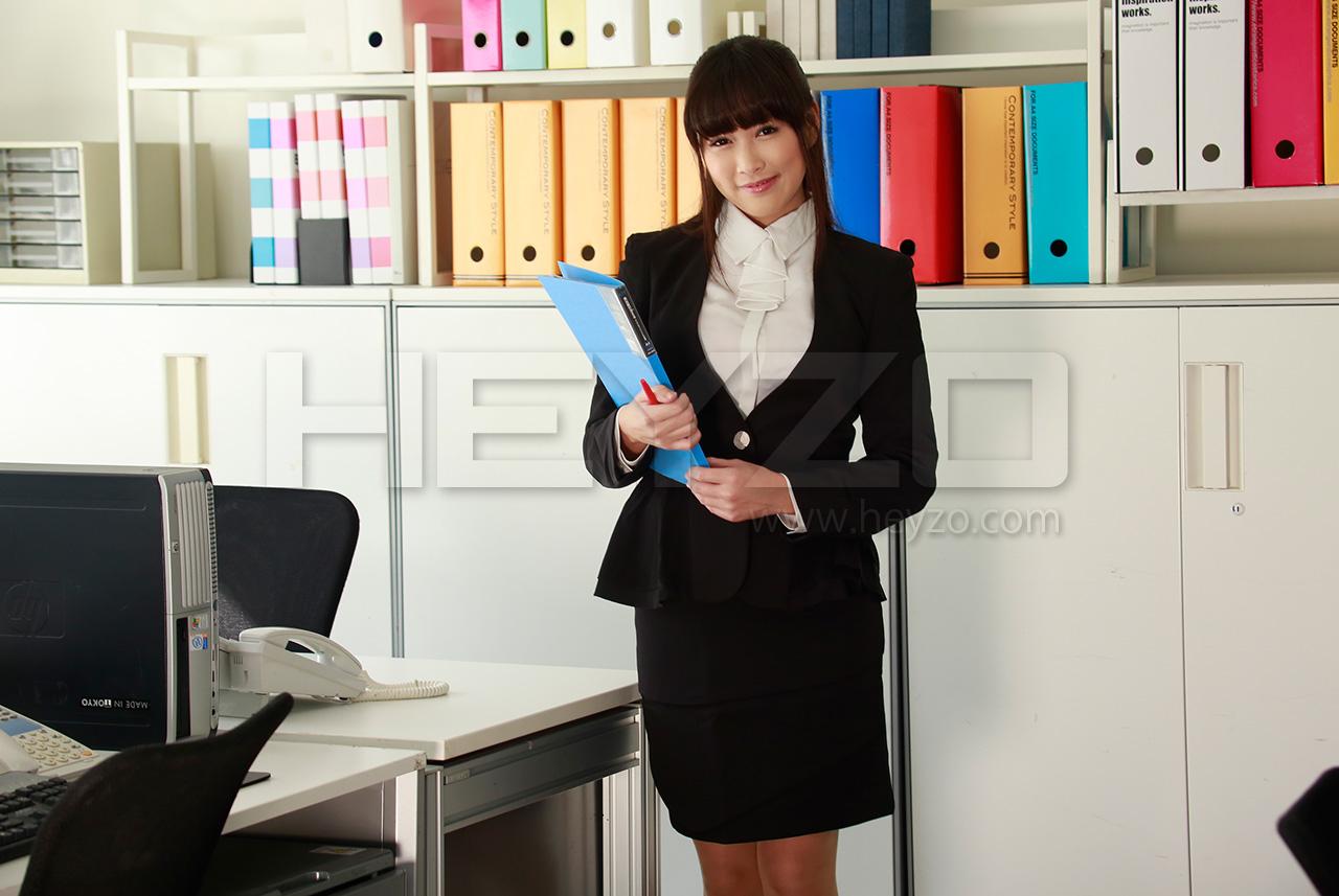アフター6~巨乳OLの抑えきれない愛欲~